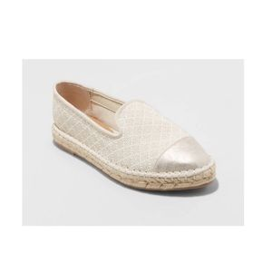 🆕 Universal Thread Carly cream espadrilles flats…